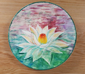Bee Cave Lotus Flower Plate
